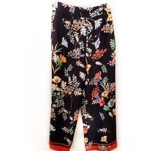 Zara blue and floral print fit and flair pants M